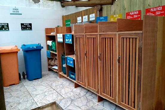 Estação de armazenado do lixo separado no Ilha de Toque Toque Hotel Boutique (Divulgação)